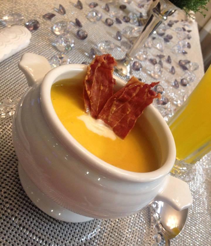 Creme de Cenoura com Crispy de Parma