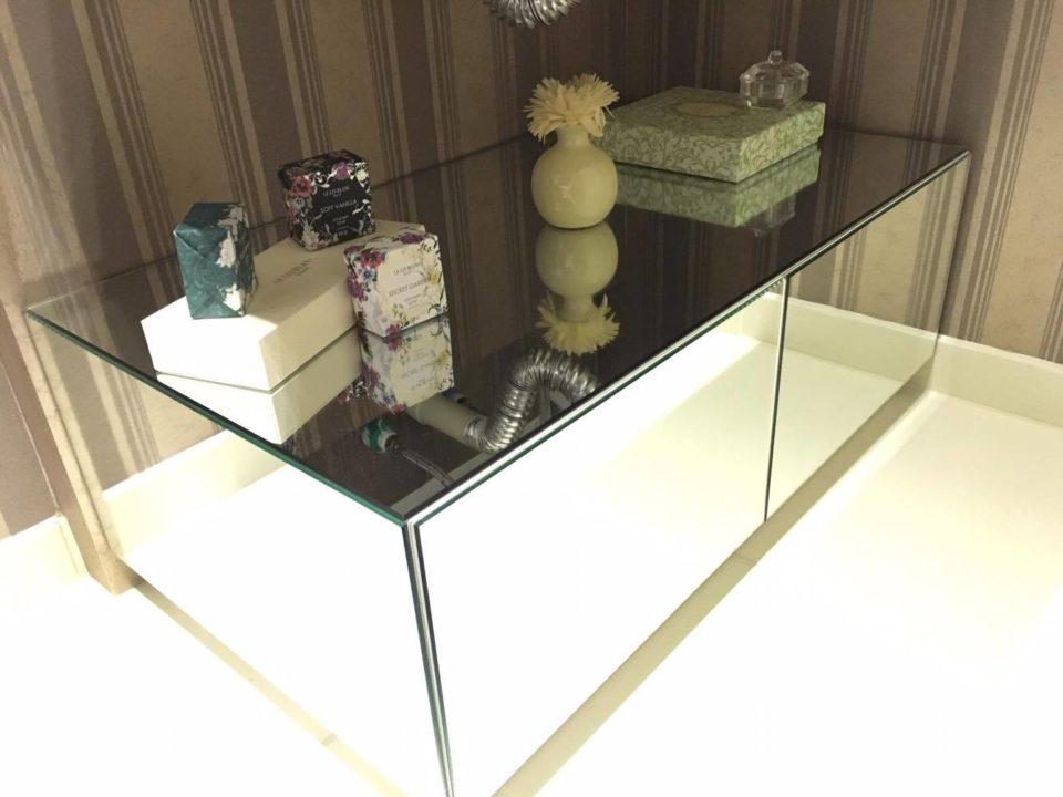 Banheiro Social: Armário de espelho