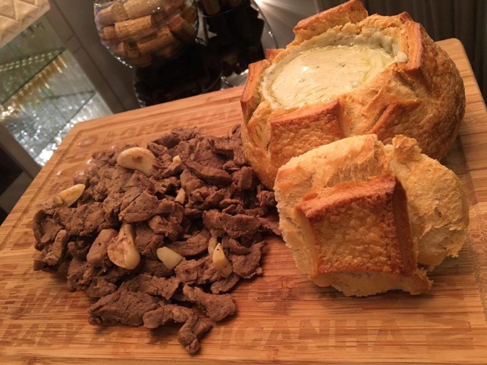 Pão Italiano Recheado com Gorgonzola e Migon.