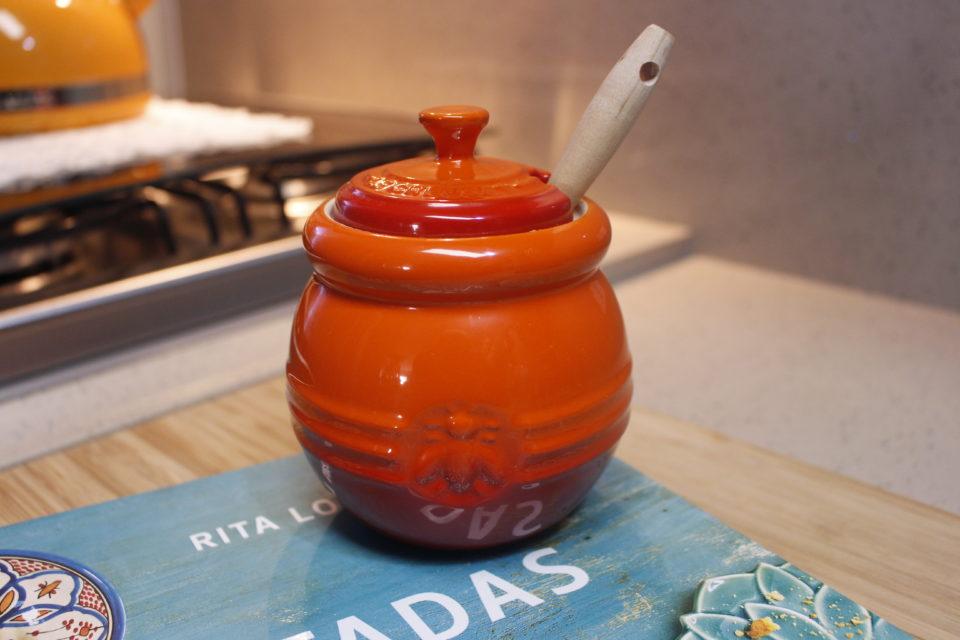 Le Creuset: Pote para mel